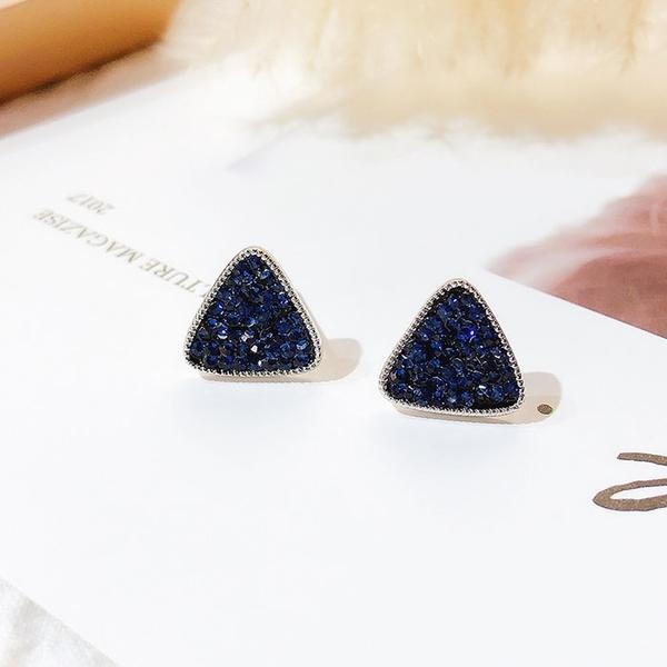 耳環 簡約 三角形 鑲鑽 個性 甜美 輕巧 氣質 耳釘 耳環【DD1812055】 icoca  03/07