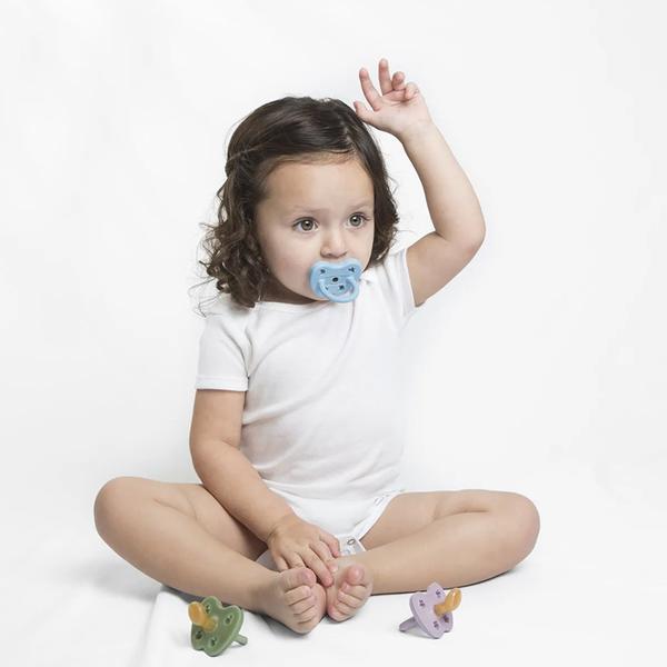 【愛吾兒】丹麥 HEVEA 彩色拇指型奶嘴-天空藍 3個月以上適用