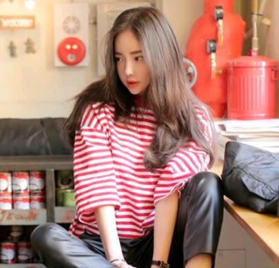 EASON SHOP(GU0942)紅白條紋寬鬆短袖T恤韓國春五分袖夏季氣質紅色條紋寬鬆休閒T恤圓領棉T