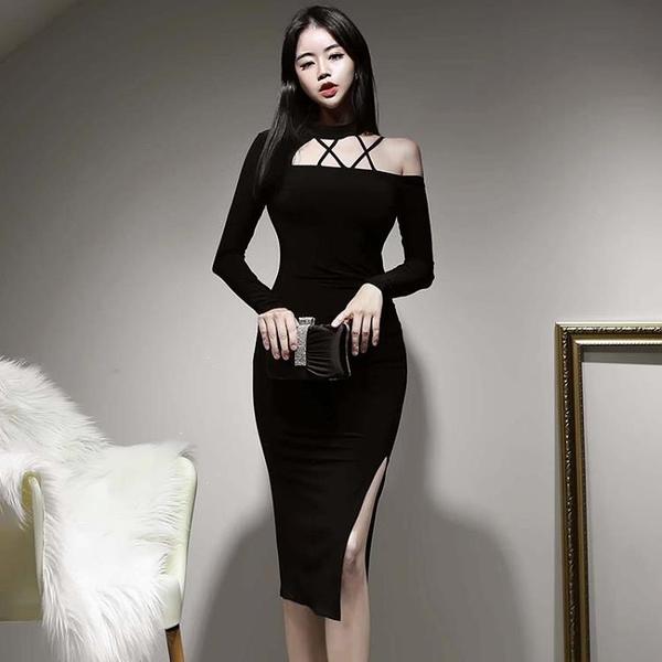 一字肩連衣裙女秋冬2020新款性感掛脖露背修身中長款氣質黑色禮服