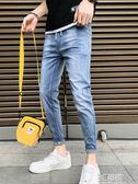 牛仔褲 夏季九分牛仔褲男淺色修身小腳褲子韓版潮流百搭潮牌薄款破洞男士 3C優購