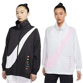 NIKE NSW Swoosh 女裝 外套 立領 風衣 慢跑 休閒 串標 大勾 黑 / 白 DA0981-010 / DA0981-100