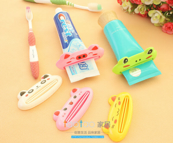 【TT285】卡通造型 牙膏擠出器 擠牙膏 大嘴猴 小青蛙 粉紅豬 動物造型(不挑色/款)