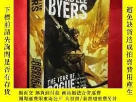 二手書博民逛書店The罕見Year of Rogue Dragons: The