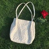 蕾絲大容量水桶手提草編編織女包包單肩購物袋【繁星小鎮】