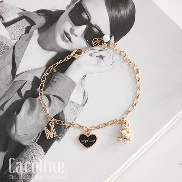 《Caroline》★流行時尚韓星最愛極致潮流時尚可愛小熊愛心甜美手環69811