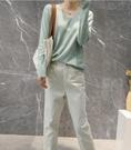 新款 早秋針織衫長袖女V領套頭短款純色打底衫顯瘦非羊絨毛衣 小山好物