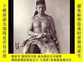 二手書博民逛書店Drawing罕見with Great Needles: Ancient Tattoo Traditions of