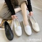 護士鞋 護士鞋女舒適軟底秋季新款百搭平底豆豆鞋小白鞋一腳蹬工作鞋 愛麗絲