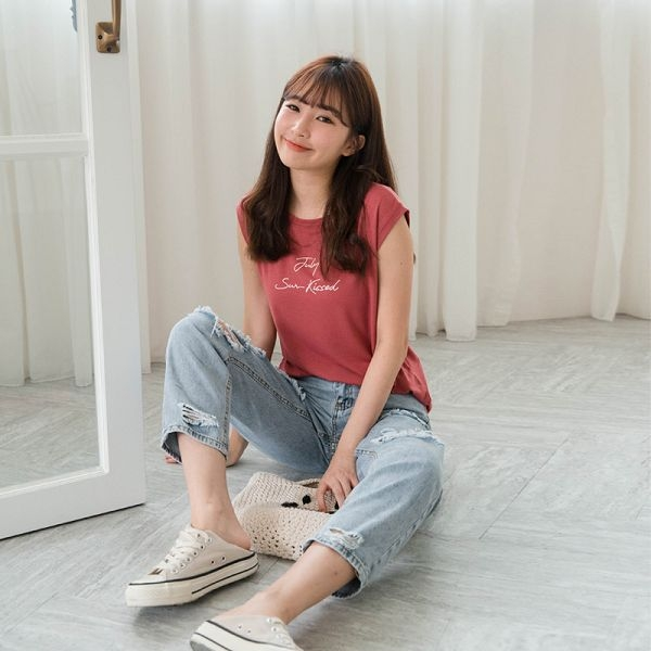 MIUSTAR 草寫英字輕柔棉質背心(共3色)【NH1575SX】預購