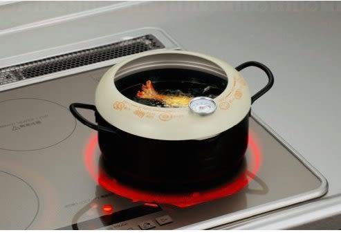 [霜兔小舖]日本製貝印KAI 附溫度計油炸鍋 (20cm)