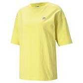 【現貨】PUMA Downtown 女裝 短袖 棉質 休閒 俏皮 街頭 徽章 印花 黃 歐規【運動世界】53024438