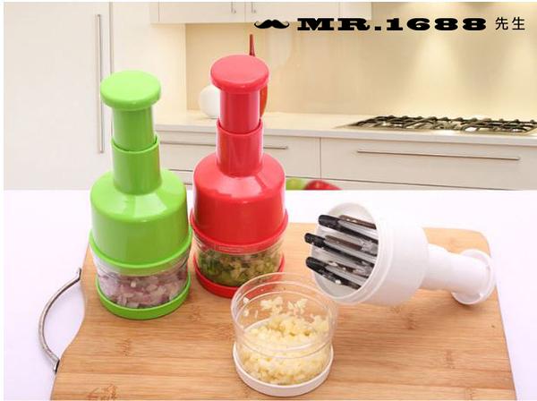 現貨/手壓式切菜器拍拍刀 廚房多功能薑蒜切碎器 切洋蔥碎菜機【Mr.1688先生】