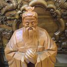 8號店鋪 森寶藝品傢俱 孔子 牛樟 ㄧ刀雕 斧雕