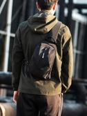 男士胸包新款時尚潮牌跨包包單肩包休閒斜挎包街頭個性小背包