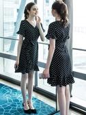 (交換禮物)大碼洋裝 短袖洋裝時尚 波點連身裙 寬鬆200斤減齡裙子