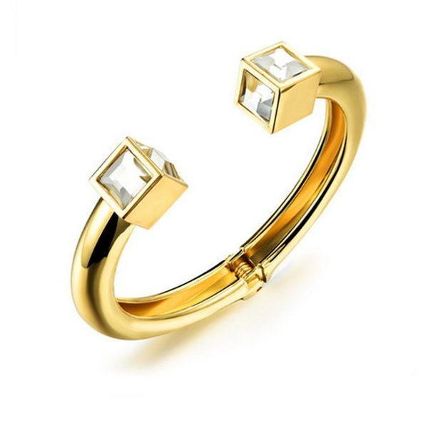 【5折超值價】 情人節禮物最新款時尚精美精致方鑽造型銅鍍18k金女款手環