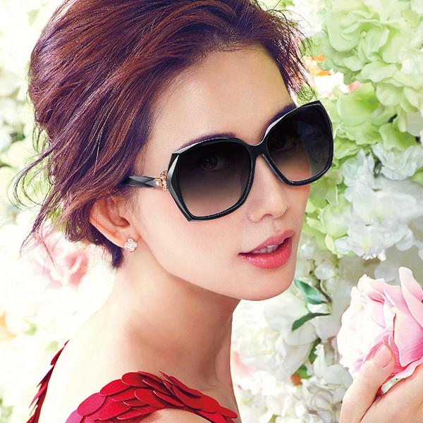 HELEN KELLER 林志玲代言 H8512 P01 (黑) 3D蝴蝶結 偏光太陽眼鏡 久必大眼鏡
