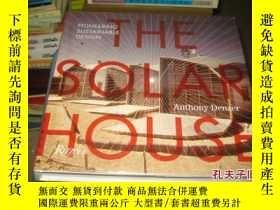 二手書博民逛書店The罕見Solar House: Pioneering Sus