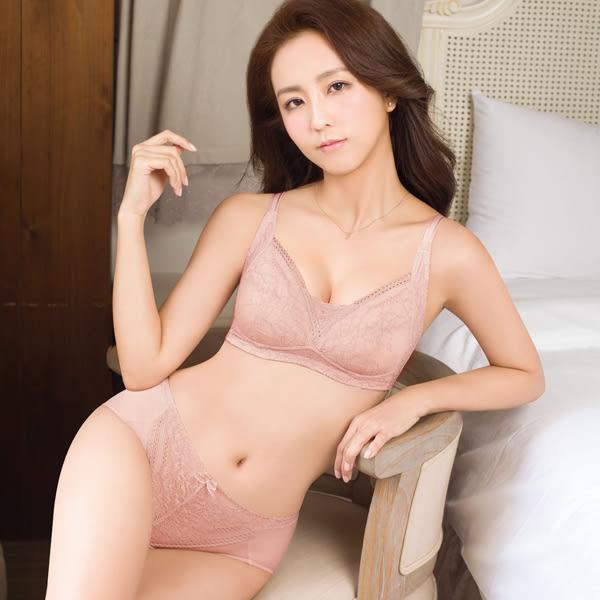 思薇爾-舒棉BRA系列M-XXL蕾絲中腰三角內褲(粉陶膚)