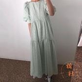 泡泡袖連衣裙女夏季溫柔奶油杏紋理圓領寬鬆飄逸大擺型長裙【橘社小鎮】