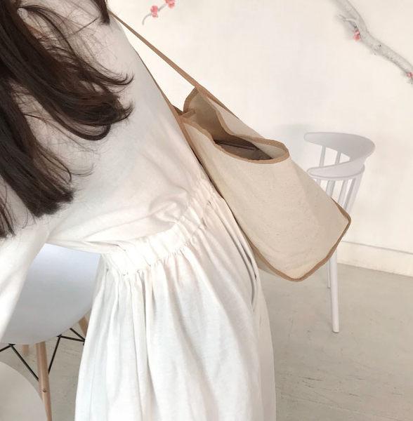 《花花創意会社》韓版大容量。蝙蝠帆布肩揹包【H6605】