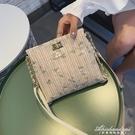新款洋氣少女蕾絲水桶包小清新草編織錬條斜背包 黛尼時尚精品