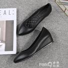 工作鞋女黑色上班鞋淺口皮鞋酒店職業單鞋女舒適尖頭軟底坡跟平底 pinkQ 時尚女裝