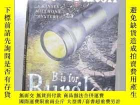 二手書博民逛書店英文原版罕見B is for Burglar by Sue Gr