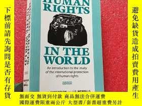 二手書博民逛書店HUMAN罕見RIGHTS IN THE WORLD 大32開