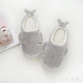 新款棉拖鞋女包跟可愛卡通鯨魚萌萌家居家用室內軟底木地板 OO553【VIKI菈菈】