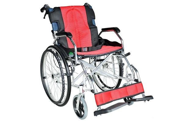 輪椅B款/ 鋁合金輪椅 (抬腳功能 背可折 方便復健)// YC-600/ 601
