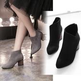 粗跟短靴-歐美英倫風時尚V口女馬丁靴2色73is1【時尚巴黎】