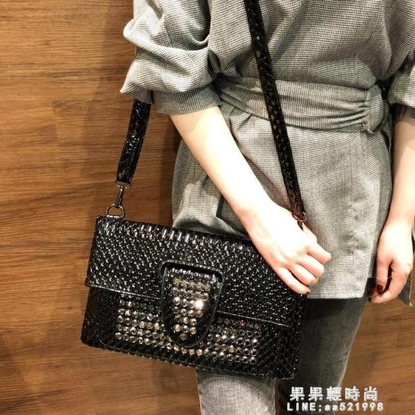 韓版時尚手拿包信封包女2019新款手包鑲鑚小包手抓包個性宴會女包【果果新品】