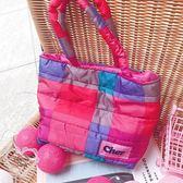 《花花創意会社》外流。CHER藍紅格鋪棉手提便當包【H6216】