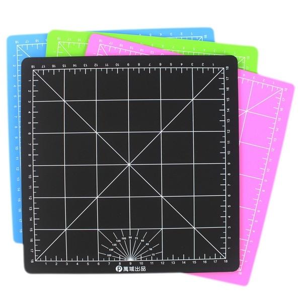 小彩色切割墊 20cm x 20cm 萬國牌JM008/一片入(定50) 方形切割板 PVC軟質 MIT製