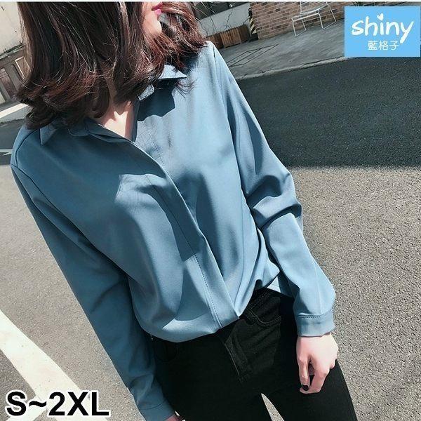 【V2583】shiny藍格子-簡約氣質.純色寬鬆顯瘦長袖上衣