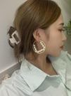 耳飾 韓國東大門氣質溫柔珍珠內圈金屬耳圈網紅復古耳環時尚個性耳飾品