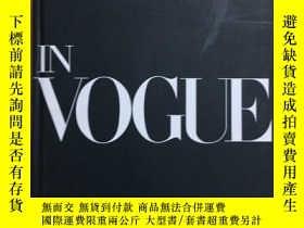 二手書博民逛書店In罕見Vogue: An Illustrated Histor