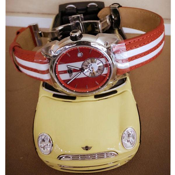 【萬年鐘錶】MINI Swiss Watches英國風格 熱情紅白分數數字三點日期窗 白紅雙色皮帶錶 45mm MIMI-07E