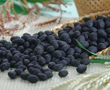 【佳瑞發‧竹碳花生】以竹碳粉將花生包裹起來,爽口酥脆,是茶食的好搭配。純素/大包裝