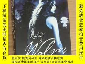 二手書博民逛書店Raised罕見by Wolves 大32開Y85718 Jen