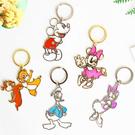 正版 日貨 迪士尼鏤空鑰匙圈 金屬 鏤空 包包 掛飾 吊飾 鑰匙圈 米奇米妮 唐老鴨 奇奇蒂蒂