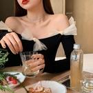 蝴蝶結一字肩上衣女心機鎖骨設計感法式氣質長袖洋氣T恤 淇朵市集
