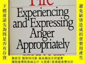 二手書博民逛書店FACING罕見THE FIRE:EXPERIENCING AN
