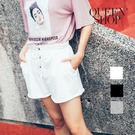 Queen Shop【04130021】素面鈕扣造型綁帶短褲 三色售*預購*