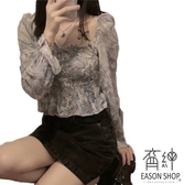 EASON SHOP(GW9058)現貨復古燈籠袖方領一字肩露鎖骨油畫長袖襯衫鬆緊縮口木耳花邊喇叭袖女上衣服
