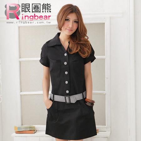 短袖洋裝--素雅俏皮附格紋腰帶包釦素面短袖洋裝(黑.藍M-2L)-D155眼圈熊中大尺碼★