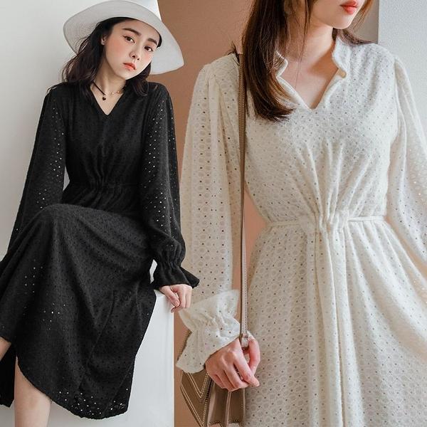 現貨-MIUSTAR 小V領圓形鏤空附綁帶磨毛感蕾絲洋裝(共2色)【NJ0100】