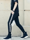找到自己 MD 韓國 潮 男 嘻哈 街頭時尚 字母貼布 鉚釘 另類 夜店DJ發型師 小腳褲 牛仔褲 九分褲